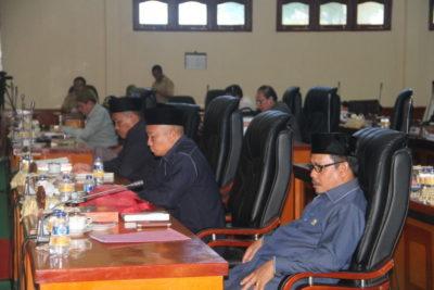 Anggota Dewan Yang Menghadiri Rapat Paripurna