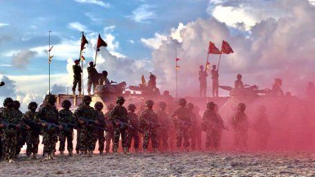 Di Puncak Latihan Geladi Tugas Tempur, Laksamana TNI Yudo Margono Diangkat Sebagai Warga Kehormatan Korps Marinir