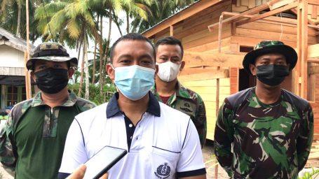 Bersama Batalyon Zeni II Marinir Surabaya, Puslatpur Marinir 9 Dabo Singkep Gelar Kegiatan Bedah Rumah Warga