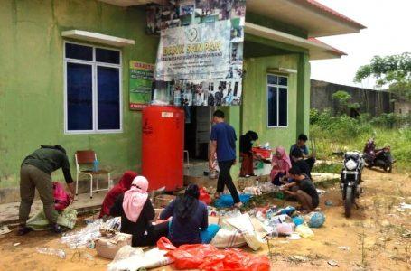 Bank Sampah STAI Miftahul Ulum Berbagi Ilmu dengan Mahasiswa UMRAH