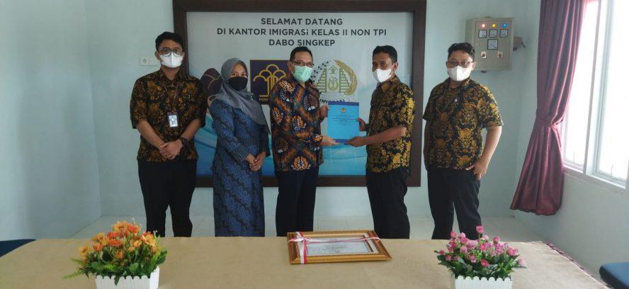 Imigrasi Kelas II Non TPI Dabo Singkep Raih Penghargaan dari KPPN Tanjungpinang